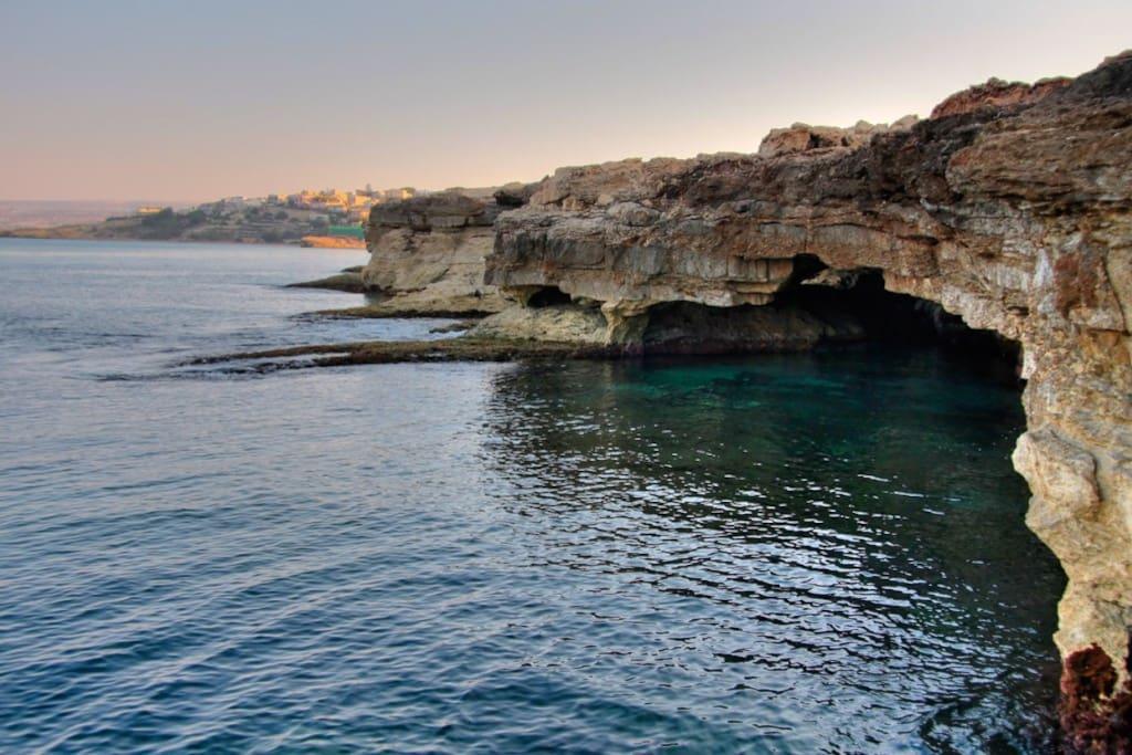 La Grotta dei Contrabbandieri - Cava d'Aliga, Ragusa