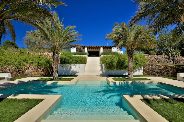 Can Canto Luxury Pool Villa Ibiza
