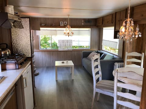 Relax in 'romantic' mobilhome at quiet camping