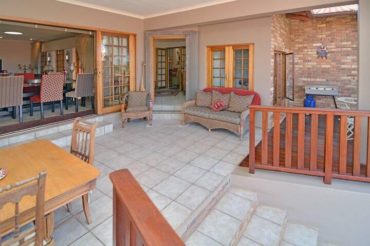 Bush House with Pilanesberg National Park Views
