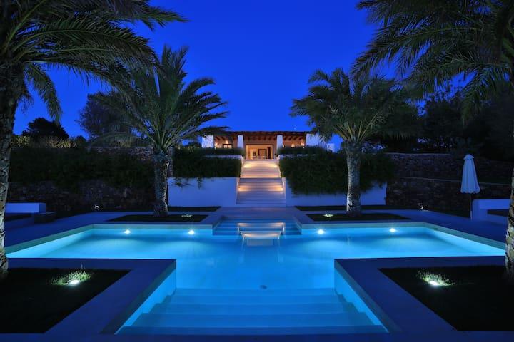 Light design make evenings and nights a true romantic fairy tale.