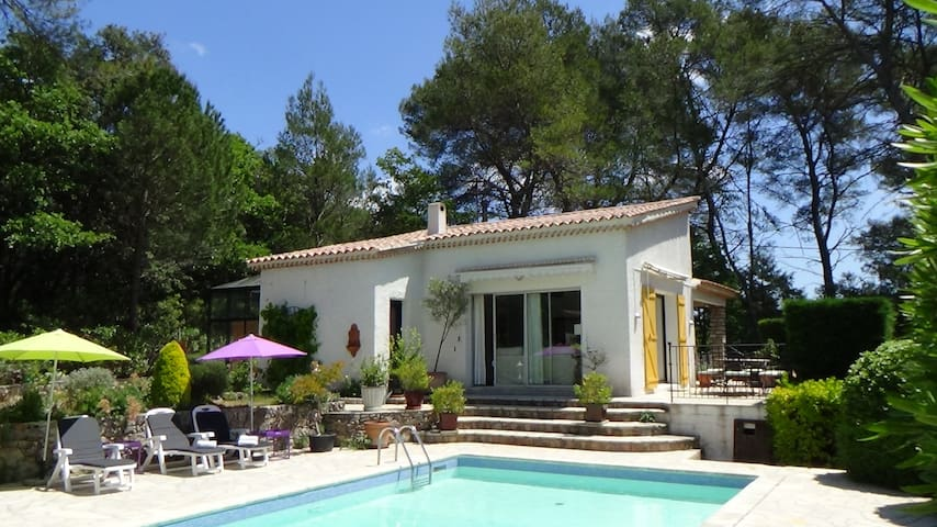Villa Albert 2 Var Provence - Le Thoronet - วิลล่า