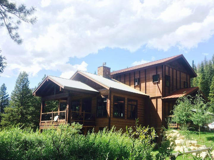 Luxury Mountain Retreat Cooke City