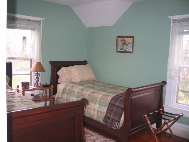 Guys especially like the Green Room which has 2 XL twin beds, so they are the same length as a king size bed.