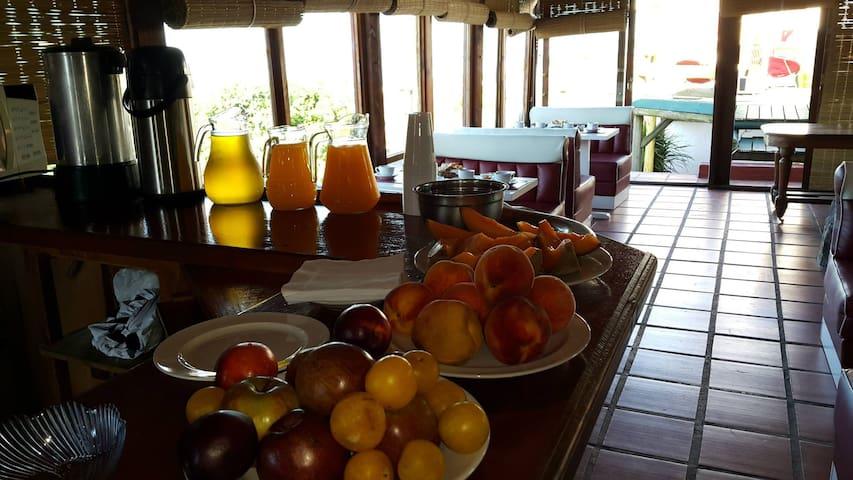 Cama 3 Habitación Compartida - Punta del Este - Bed & Breakfast