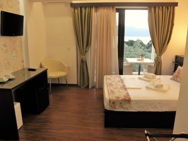 Deluxe Δίκλινο Δωμάτιο με θέα - Pirgi