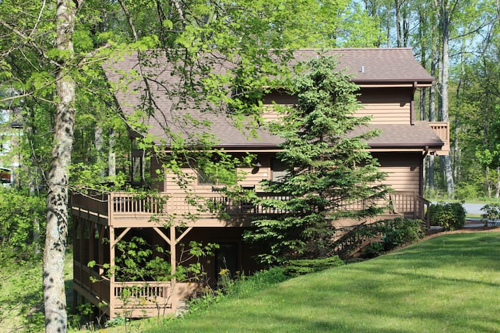 Blowing Rock-Mountain Laurel, Westglow 1 BR