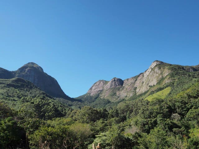 Natureza pura nas montanhas da Serra dos Órgãos