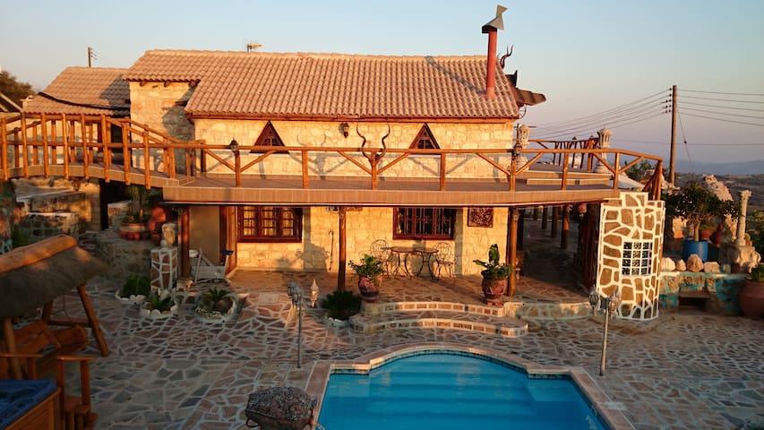 Paphos Accommodation - 2 Bedroom - Milia - Villa