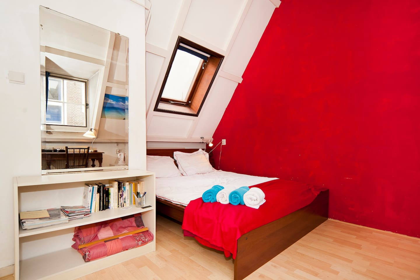 Guest room with queen-size bed (160-200cm)