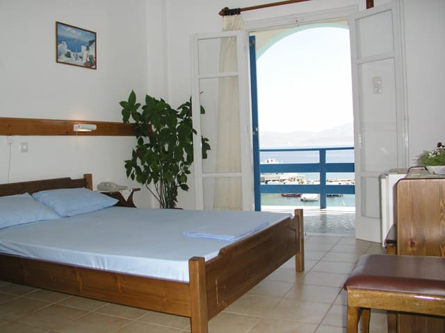 Double Room with Excellent Sea View - Piso Livadi - Bed & Breakfast