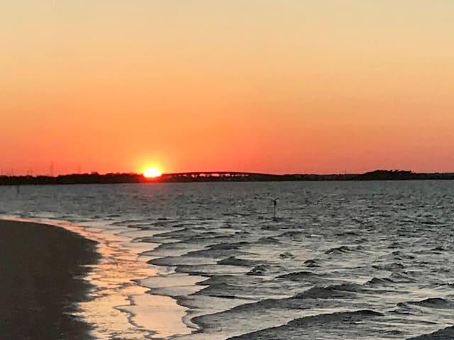 Tybee Sun-Setter!  Ahh-mazing views Tybee Island