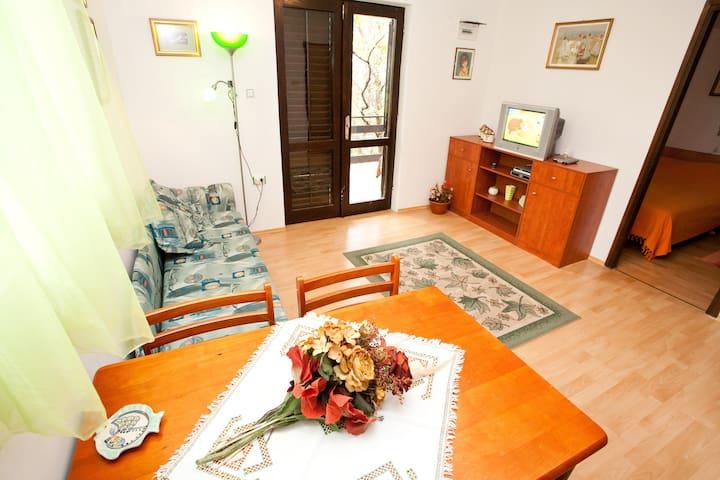 "Studio apartment ""Green"", Jadranovo - Jadranovo - Apartment"