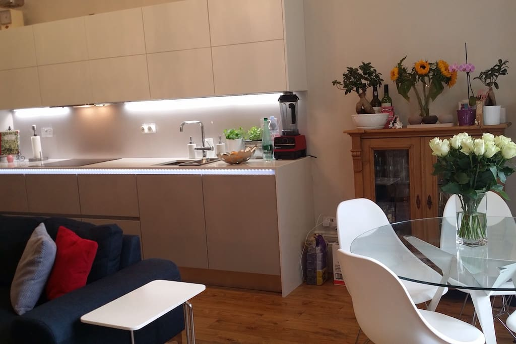 Kitchen/Dining room/leaving room