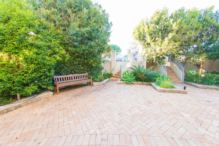 Absolute Waterfront Spacious 3 Bedroom Home - Cronulla - Daire