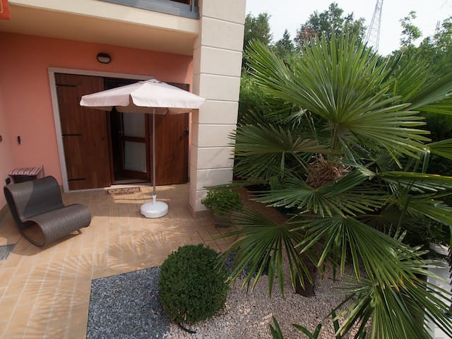 Bright modern flat 5 min from Bardolino - Cavaion Veronese - Appartement