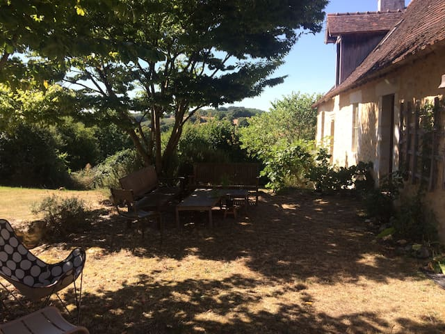 Generous farmhouse in the Perche - close to Nogent