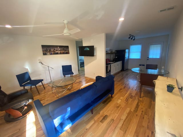 Easy fully equipped stay in downtown Raleigh