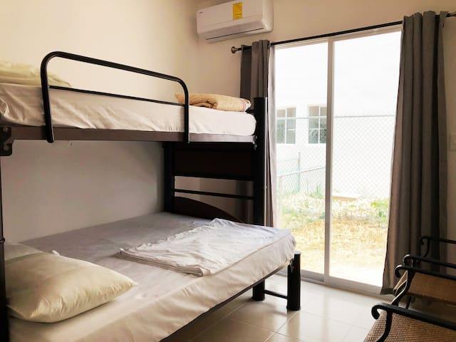 recama compartida cama litera para 3 habitantes