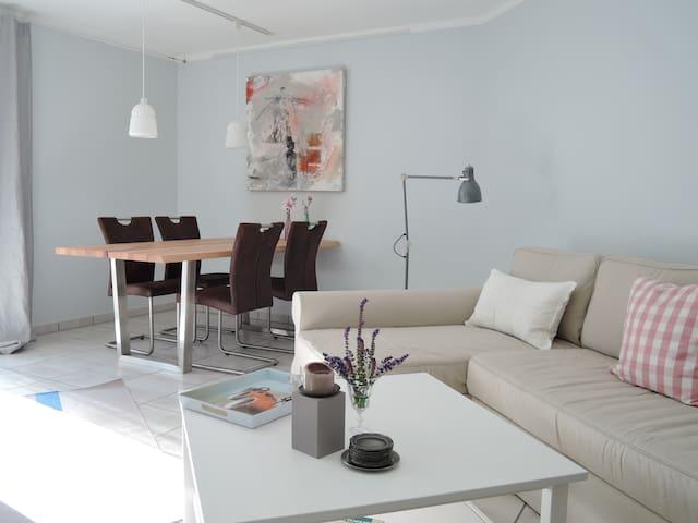 Gemütliches, toll eingerichtetes Zuhause - Paderborn - Apartment