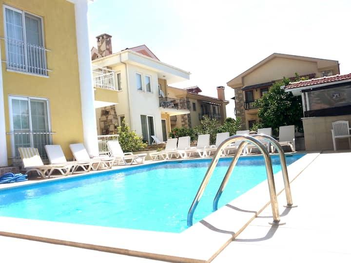 Karacaapart Hotel-Dalyan