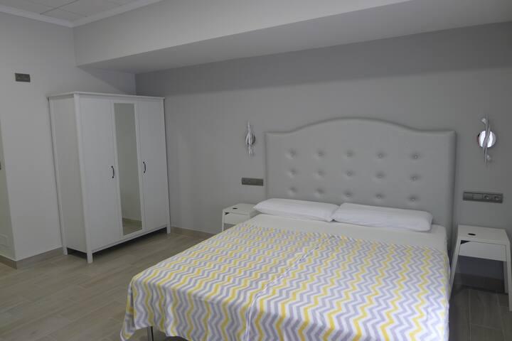 Apartamentos Templete centric and secure studio