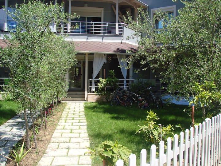 Cozy BeachHouse/Lura 1 Complex Lalzi Bay