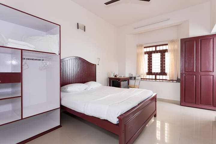 Three bedroom AC accommodation  facing  Beach