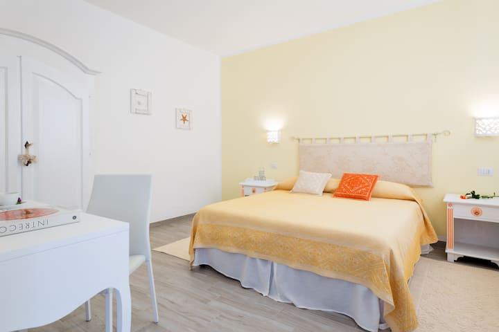 Casa Berenice-Intero appartamento- Centro di Olbia