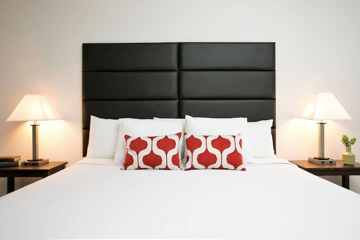 Unique 2 Bedroom on Rio Salado Parkway