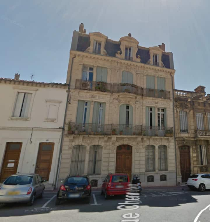 Au cœur de Narbonne, immeuble de caractère.