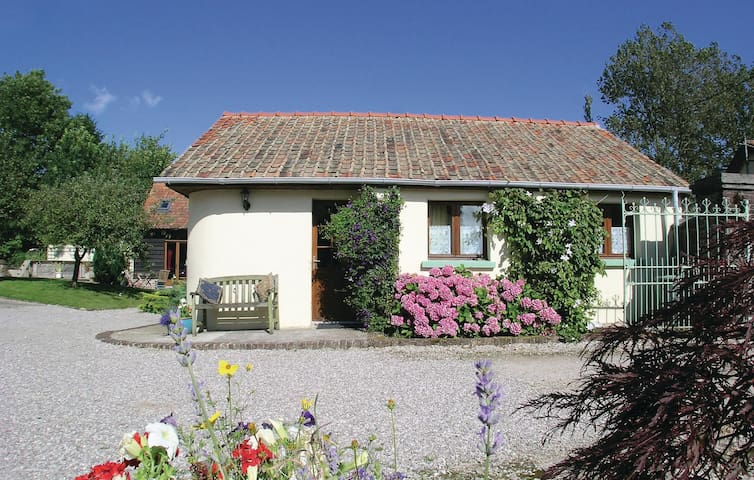 Holiday cottage with 1 bedroom on 43m² in Ergny