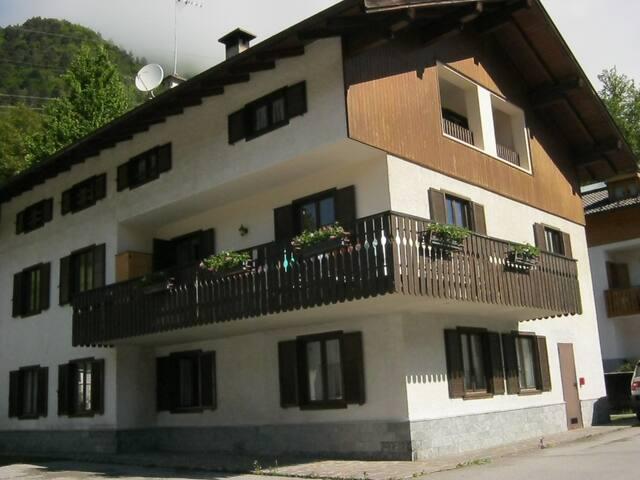 Appartamento nel Parco Naturale Adamello Brenta