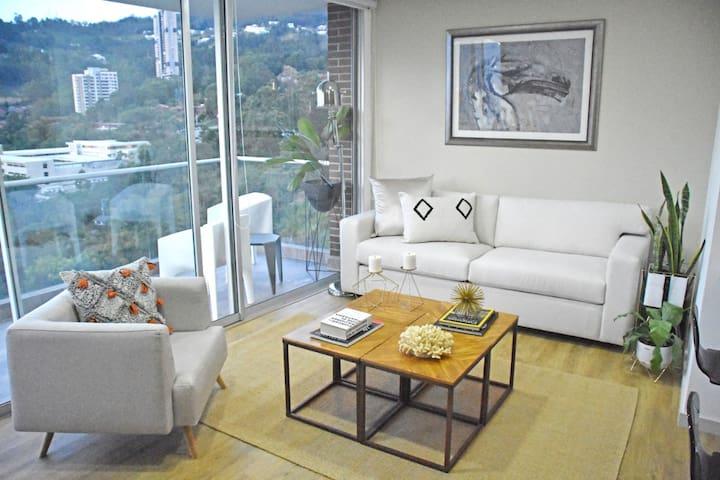 New Apt Suite 19th Floor! Amazing Medellín View!