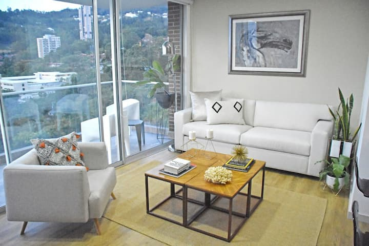 New Apt Suite 19th Floor! Amazing Medellín View!