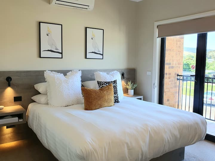 Inn the Valley, Yarra Glen town centre Townhouse 2