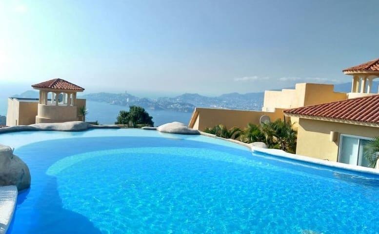 Hermosa Villa Miramar, la Mejor Vista de Acapulco