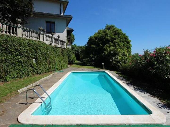 Villa con parco e piscina privata