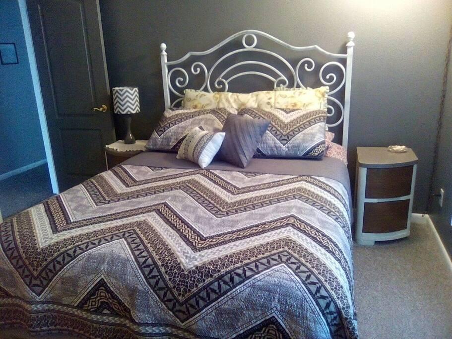 Queen Bed Guest B