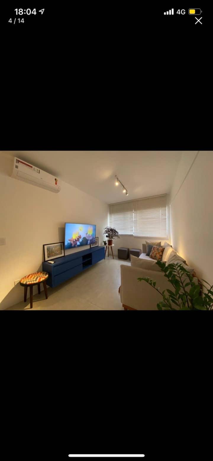 Apartamento inteiro - Ponta Verde . 50 M da praia
