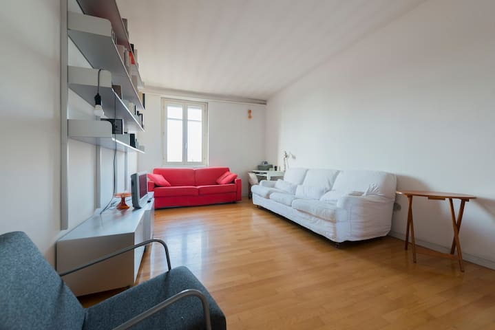 NEW in Bright&Confortable 3rooms ap - Milaan - Huis