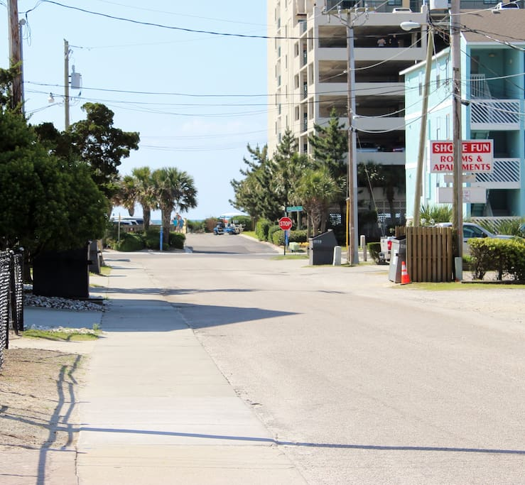 Apartments In Myrtle Beach: Renovated Studio Block From Main St And Ocean (#2