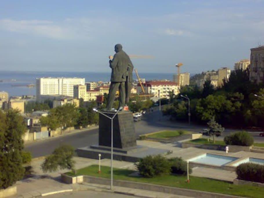 Narimanov Statue