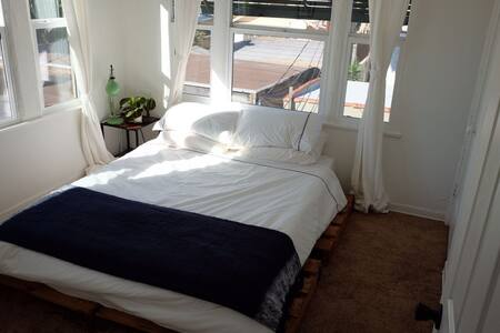 Private Room in Mid City Los Angeles - Los Angeles