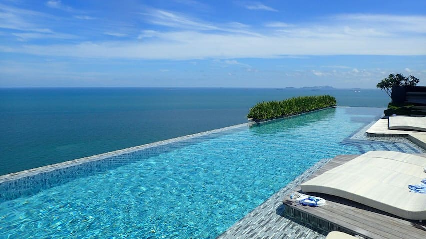 Private beach, stunning pool, tranquil Pattaya - Muang Pattaya - Apartemen