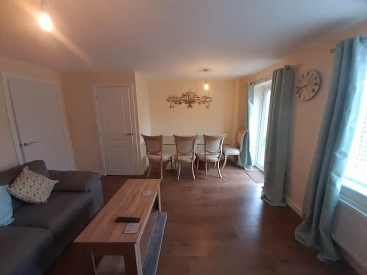 Spacious room in Heart of Warwickshire - Room One