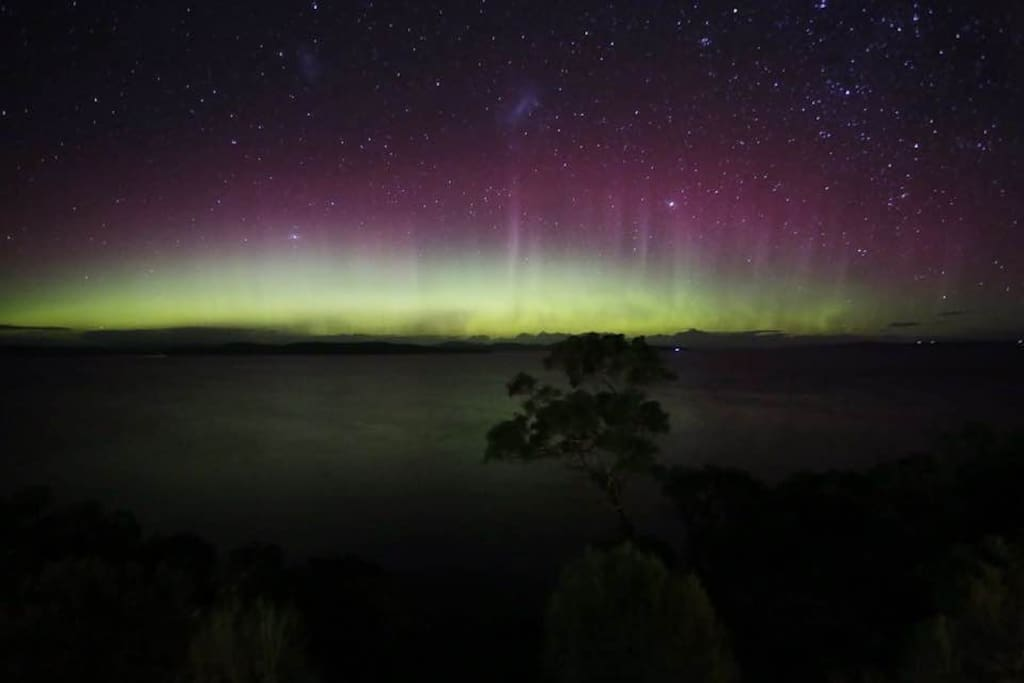 The Aurora Australis from Seaviews at the Sands