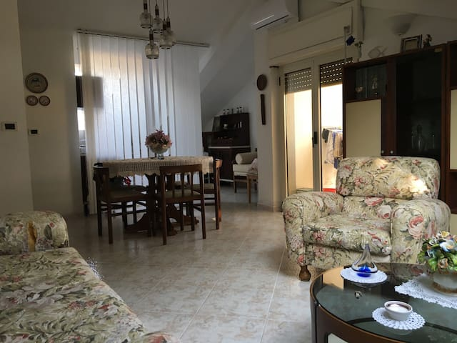 Top flat in our Italian villa - Santa Venere - Rumah