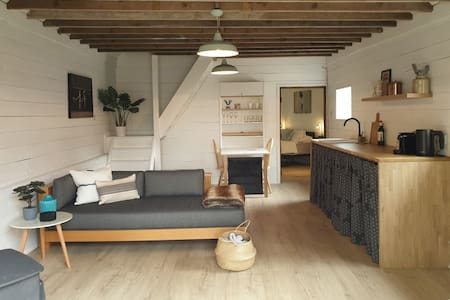 Self Contained Converted 'Donkey Barn'