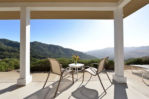 Big House Getaway in the Cambria Hills